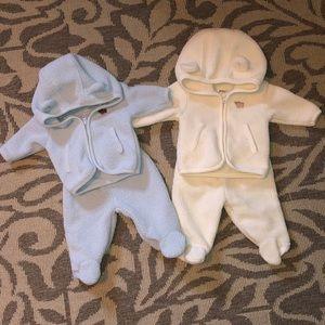 OshKosh Newborn 2Piece Footie Sets (bundle of 2)